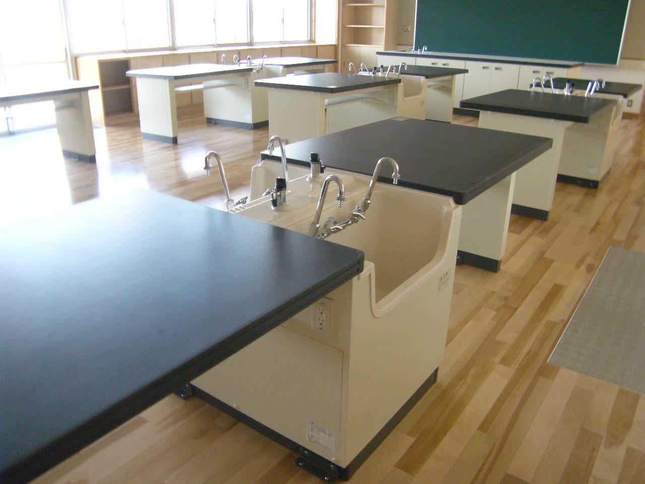 向陽中学校校舎冷暖房給排水、屋内運動場機械設備工事